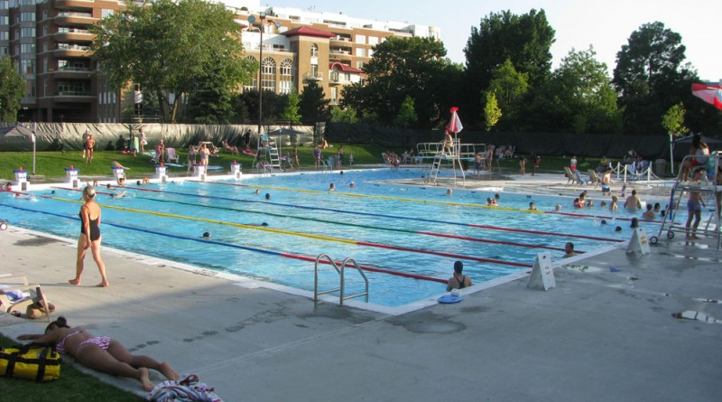 Outdoor pool city of westmount - Outdoor swimming pools north west ...