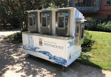 La station de recharge d'eau en libre-service dans le parc Westmount